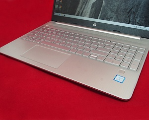 HP Laptop 15s i7-8565U 8Gb 256SSD